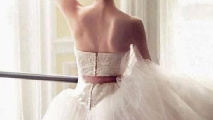 背中を美しく!セルフ肩甲骨はがしストレッチの仕方と効果とは?!天使の羽を手に入れる方法♡